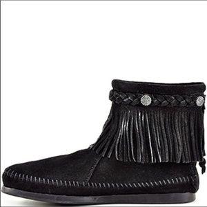 Nwob Minnetonka Black Fringe Ankle Boots 8